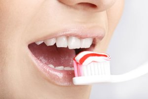 Escovar os dentes protege o coração