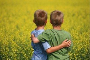 Bom relacionamento entre irmãos