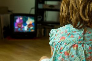 Educação postural começa em casa