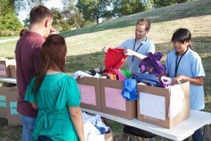 Troca-troca de roupas ajuda o meio ambiente