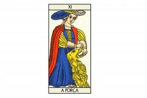 A Força: arcano representa domínio das paixões