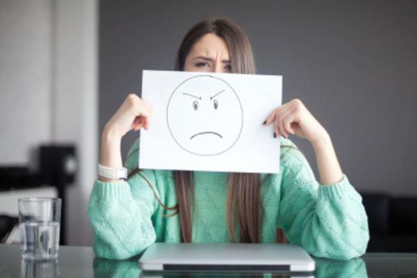 Quando a crítica é sinal de infelicidade