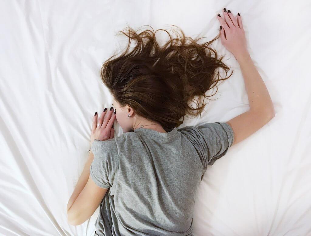 Como dormir melhor com Meditação