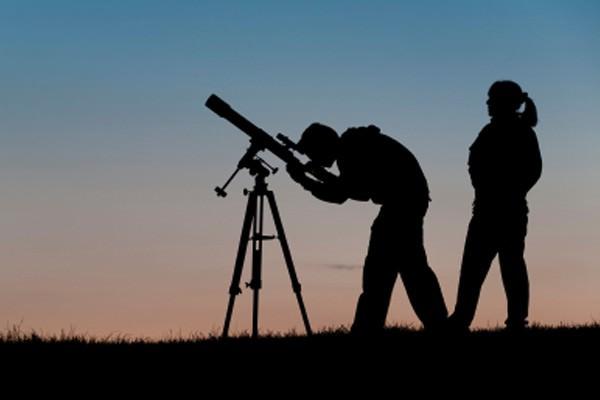 Afinal, o que faz um astrônomo?