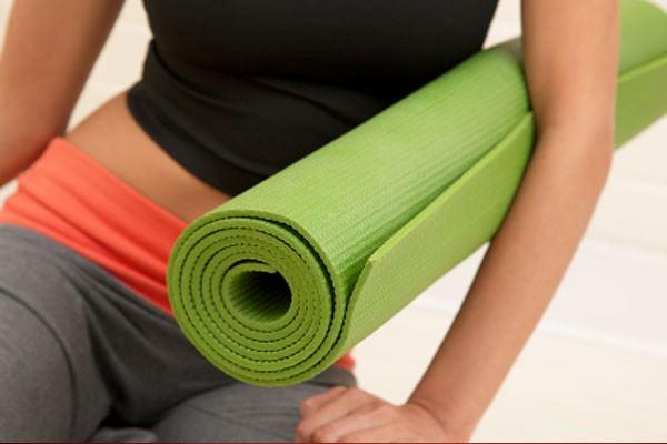Como escolher o tapete ideal para Yoga?