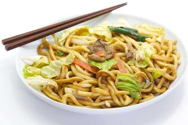 Receita de yakisoba tailandês
