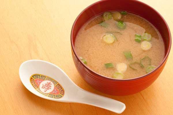 Receita de sopa de missô (Missoshiro)