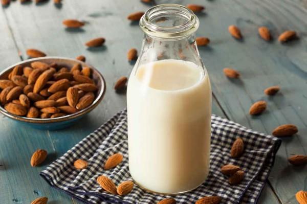 Receita de leite de amêndoas