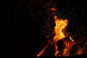 Sonhar com fogo: o que significa?