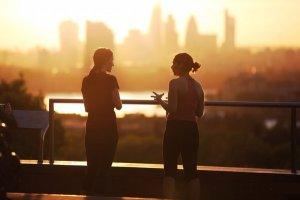 Mercúrio em Libra: época de escutar o outro e negociar