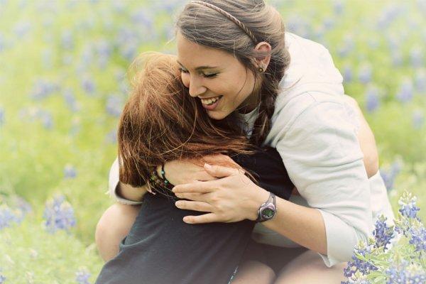 O que significa sonhar com abraço?