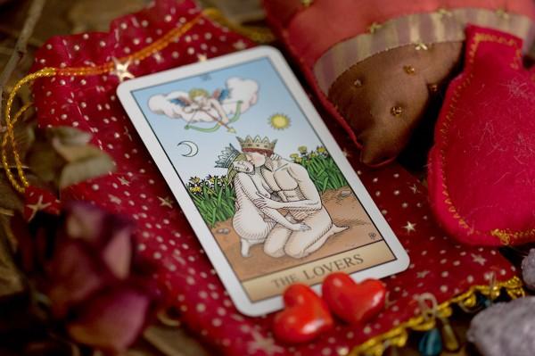 Tarot: Descubra qual Arcano simboliza sua inspiração erótica