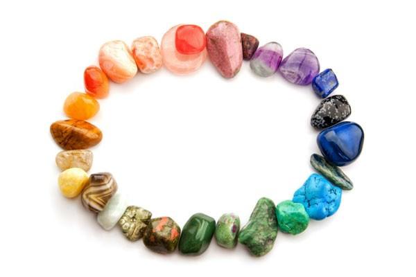Como funciona a terapia com pedras e cristais?