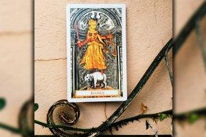 """Tarot: significado do arcano """"A Justiça"""""""