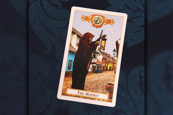 """Tarot: significado do arcano """"O Eremita"""""""