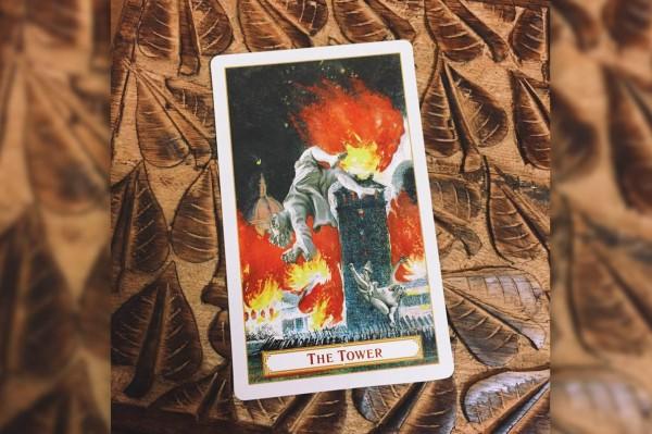 """Tarot: significado do arcano """"A Torre"""""""