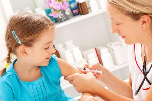Vacinação: sinônimo de cuidar, proteger e amar
