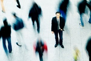 Solidão na multidão: como evitar