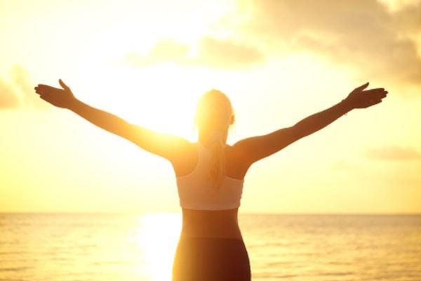 Pratique a saudação ao sol