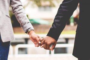 Meditação pode ajudar a superar crises no relacionamento amoroso