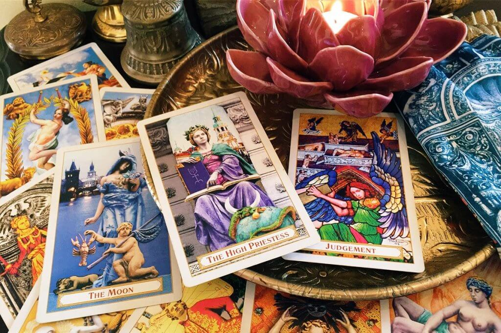 O que você precisa saber sobre o Tarot