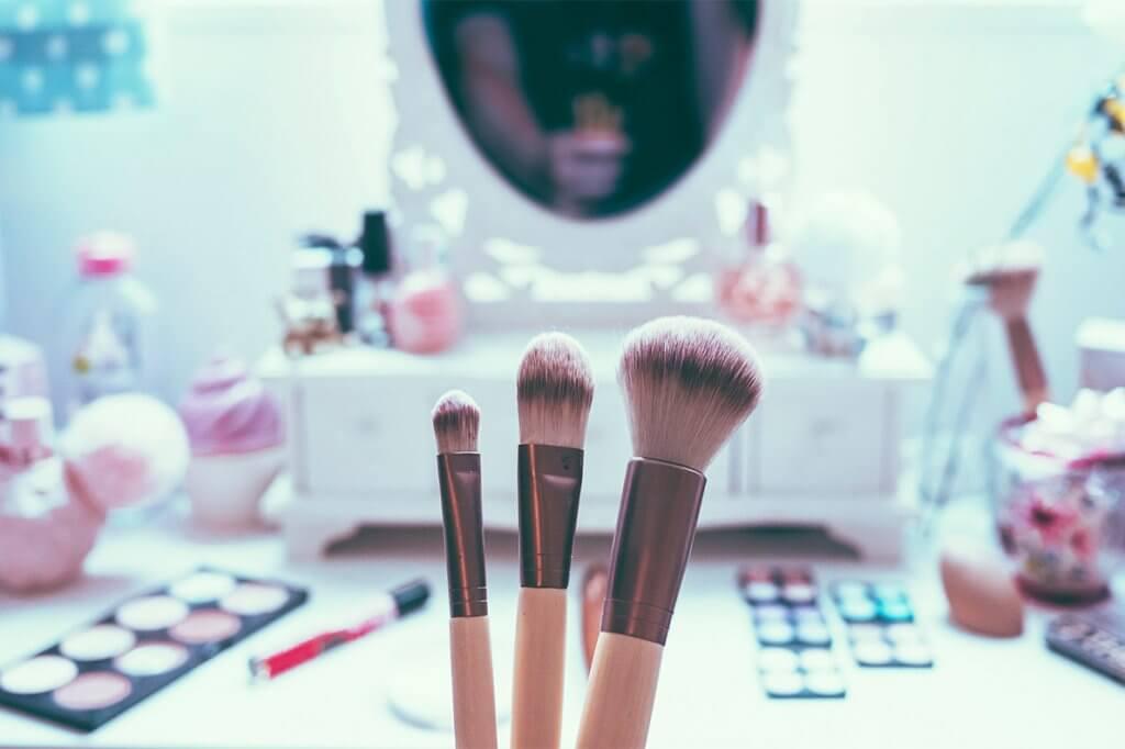 Produtos de higiene e beleza interferem diretamente na saúde da mulher
