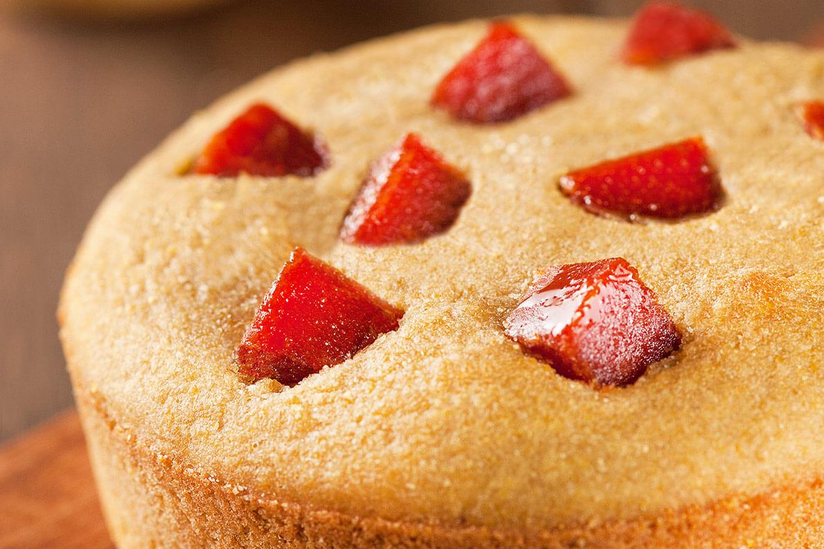 Receitas veganas: aprenda a preparar um bolo de milho delicioso