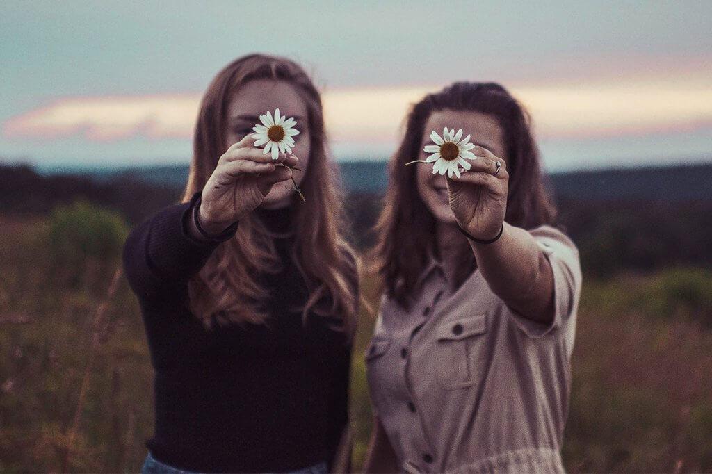 Sororidade: o que é e como praticar