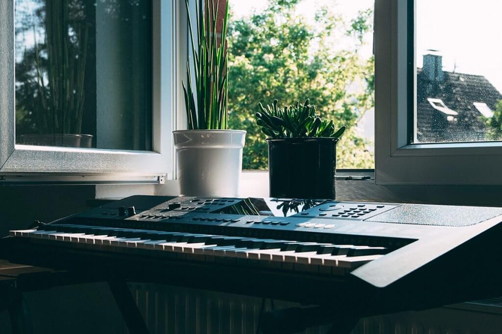 Harmonizar ambientes com música