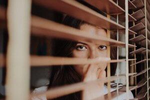 Você está sempre na defensiva no relacionamento?