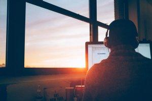 Preguiça no trabalho: como deixar de procrastinar