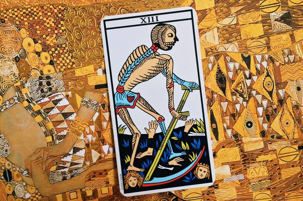 Previsões do Tarot para Março: Arcano A Morte