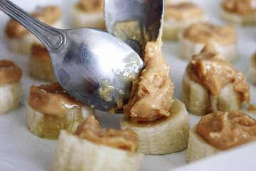 Receita de trufa vegana com banana e chocolate amargo