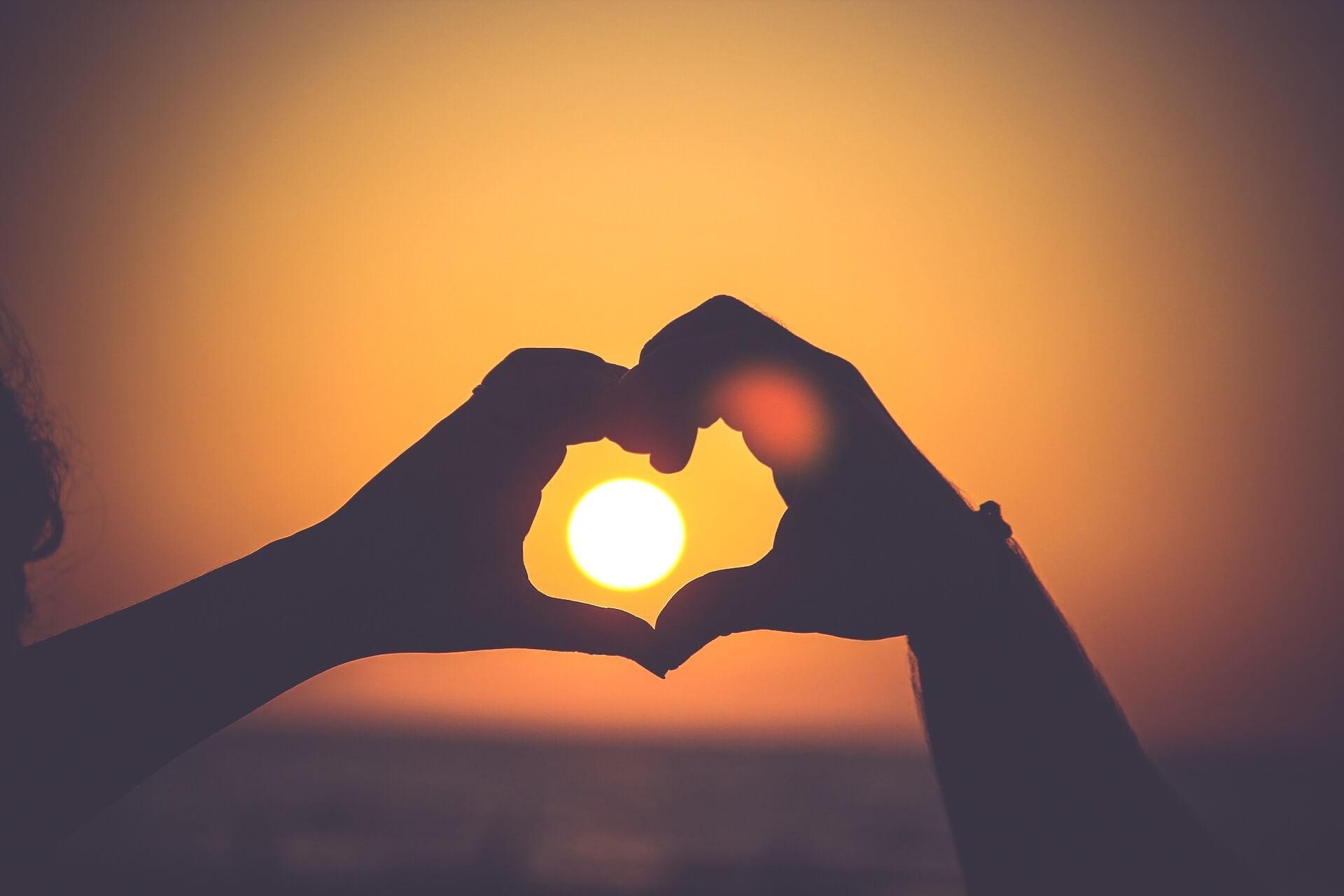 Mensagens fim de ano de amor: 'Fortalecer o amor-próprio é o primeiro passo para fazer o amor acontecer'