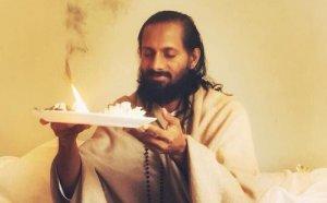 Prática e Conhecimento com Swami Paramtej – O que é a realidade? (Ashtavakra Gita)
