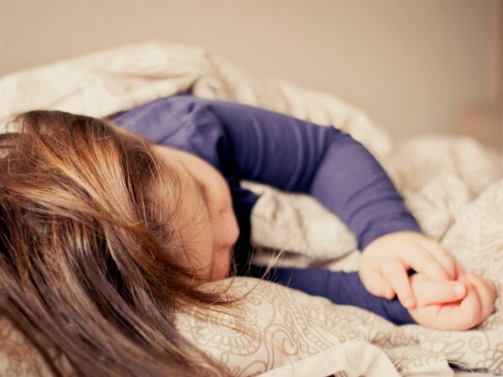 Enurese noturna: como ajudar as crianças com o xixi na cama