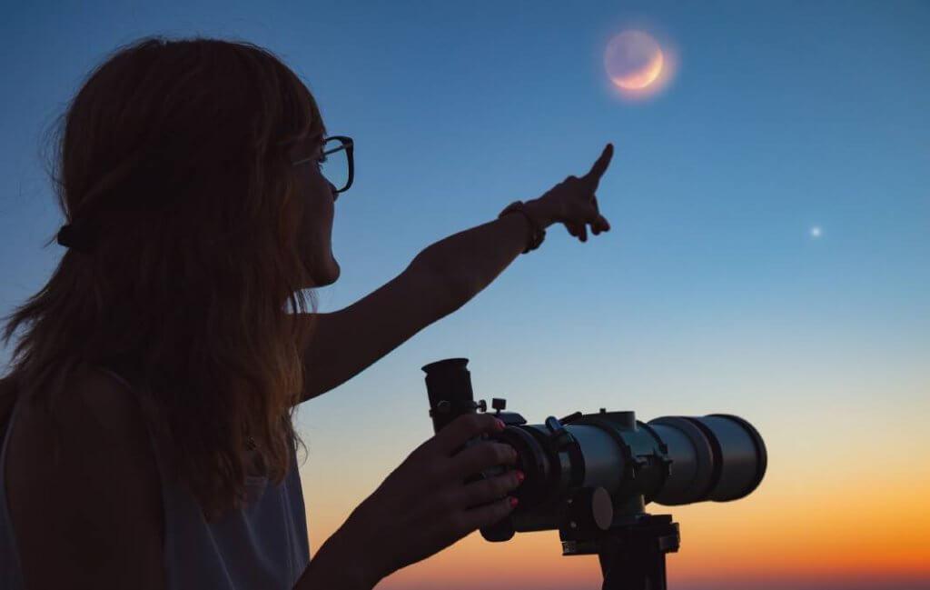 Eclipse lunar de 16 de julho sugere transformações na vida pessoal e trabalho