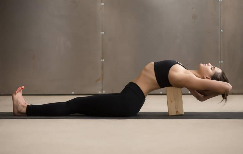 Iyengar Yoga: o que é e quais são os benefícios para iniciantes