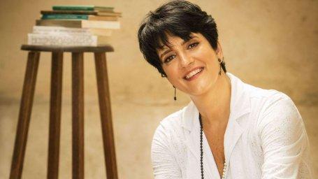 Claudia Quadros