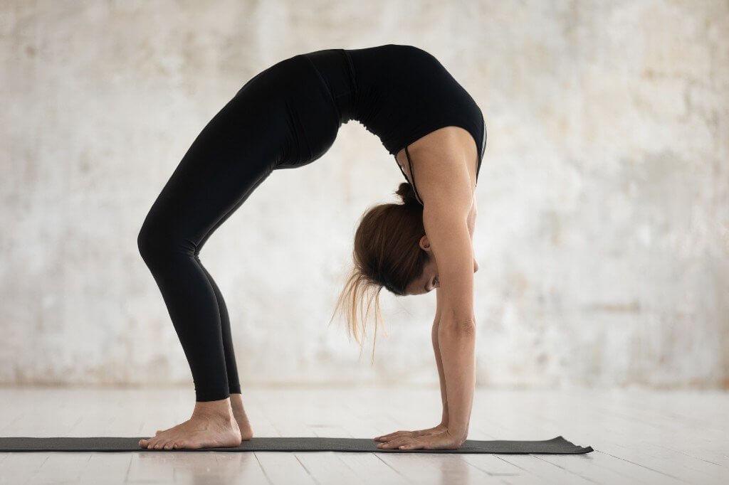 A ponte no Yoga: como vivenciar o Urdhva Dhanurasana