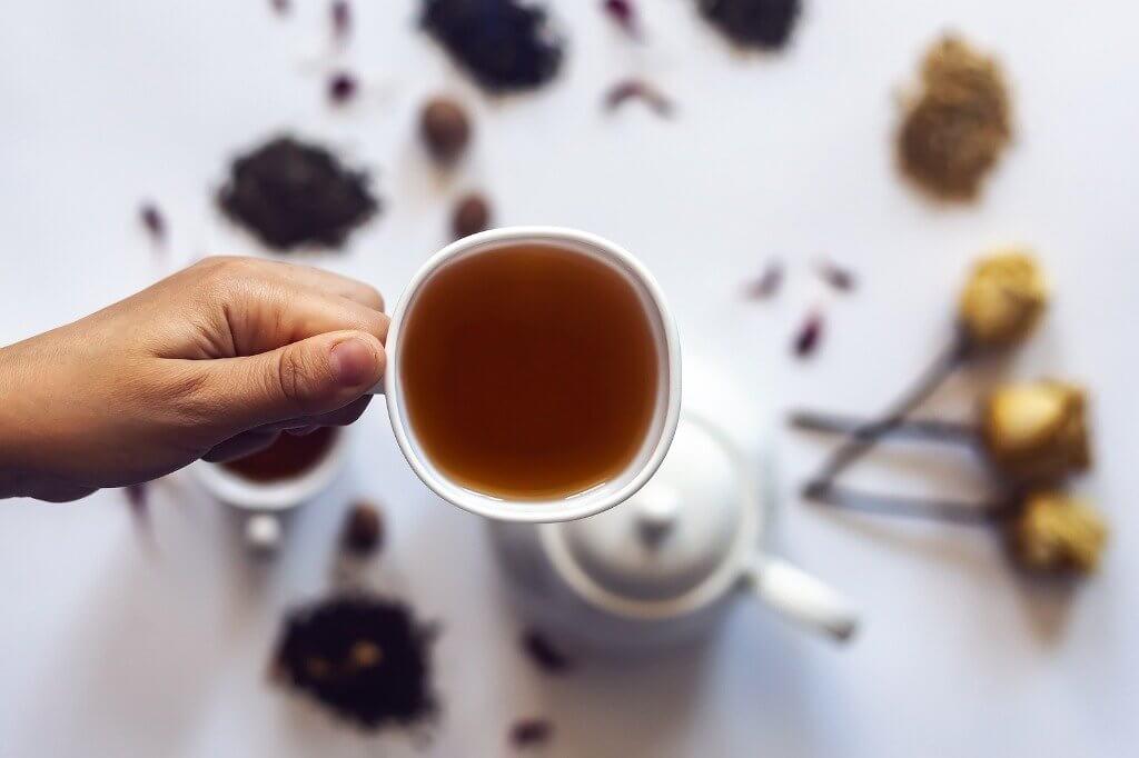 Três efeitos da meditação detox com chá
