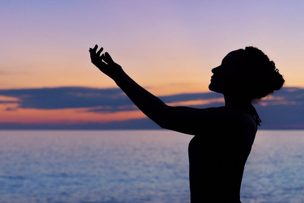 Benefícios da meditação: autoestima, produtividade e menos ansiedade
