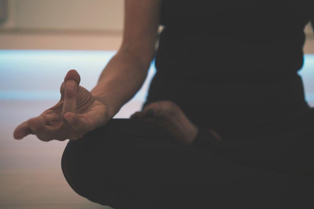 Meditação diária: 10 práticas guiadas para você começar hoje