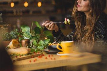 Como usar o poder da imaginação para reduzir compulsão alimentar