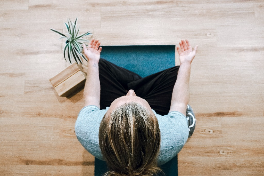Como meditar: é possível vencer os obstáculos
