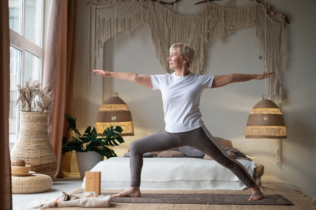 Yoga e a Aromaterapia para amenizar sintomas da menopausa
