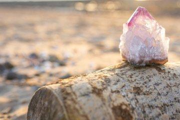 Como usar pedras: benefícios dos cristais no dia a dia