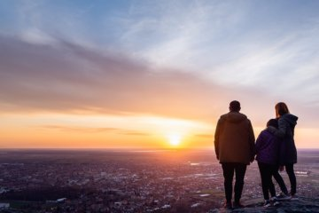 Honra teu pai e tua mãe: significado na Constelação Familiar