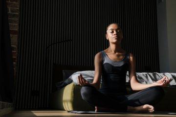 Meditação matinal: benefícios e como fazer